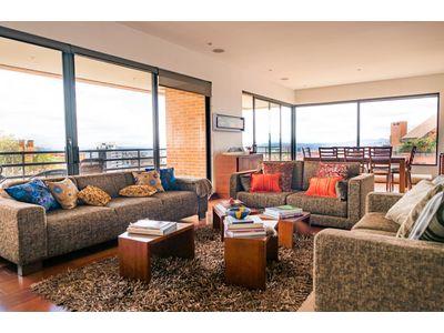 Apartamento Arriendo :: 243 m² + 29 m² :: Rosales :: $14 M