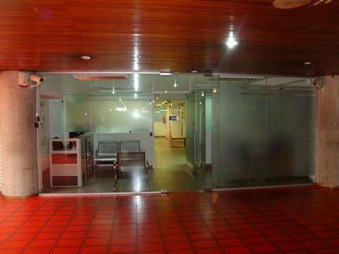 se vende local 88m2 las mercedes
