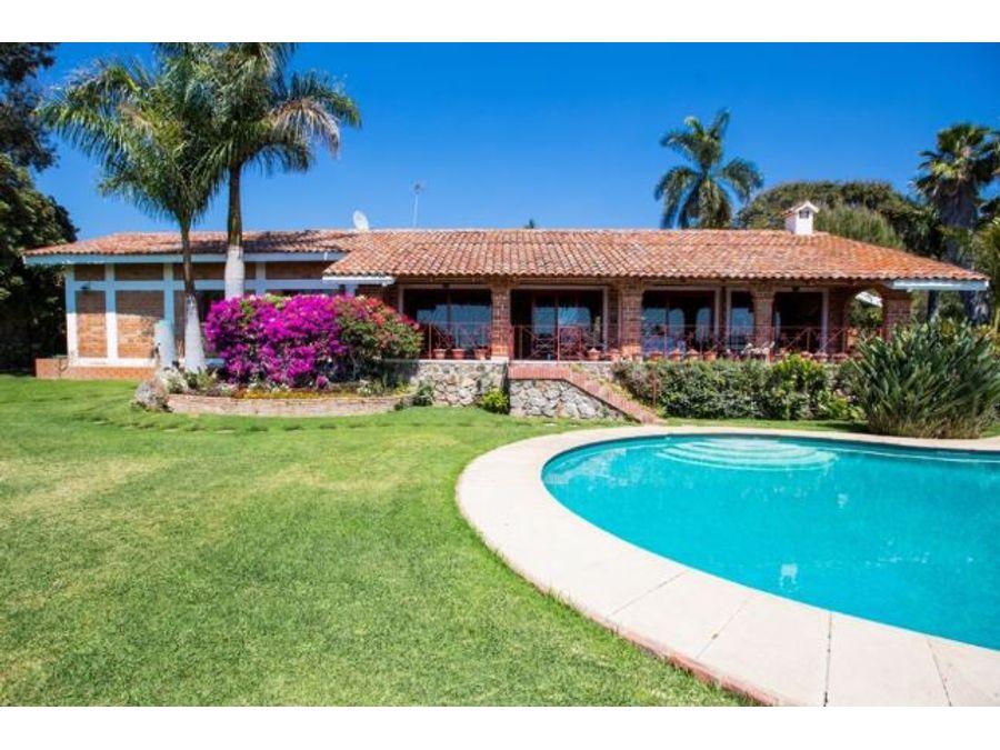 vista del lagoalberca casa en venta cv
