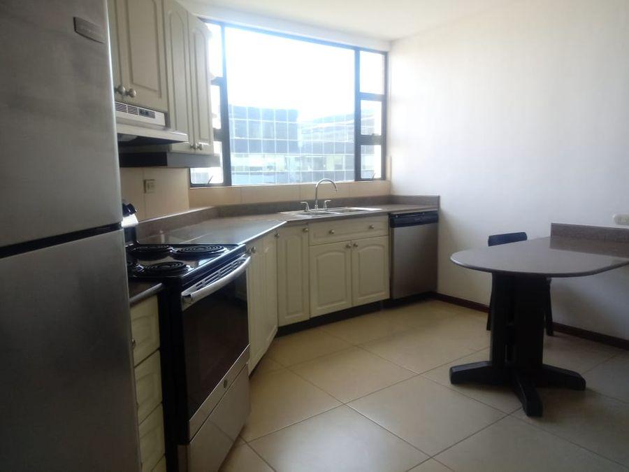 renta apartamento en zona 14 6 avenida
