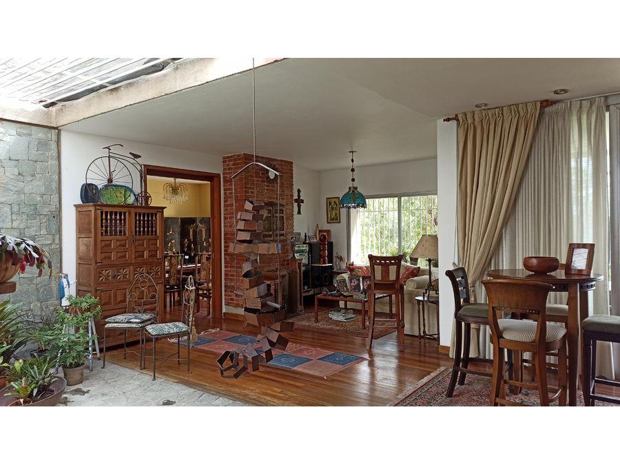amplia casa con areas verdes en los guayabitos
