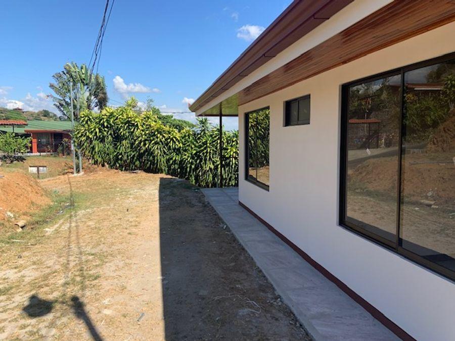 casa en buen precio con grandes vistas