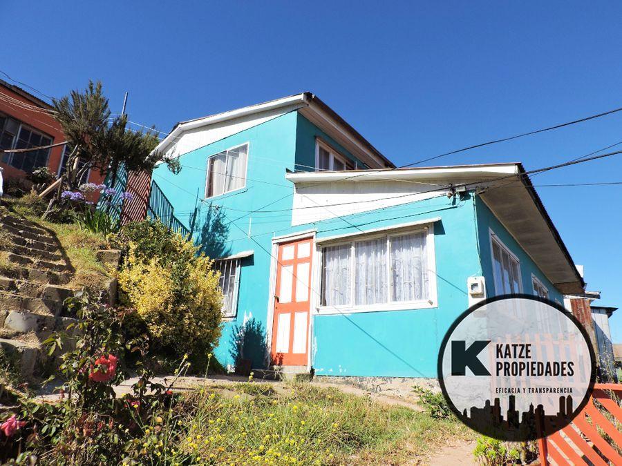 propiedad con 2 casas independientes 609 mts2