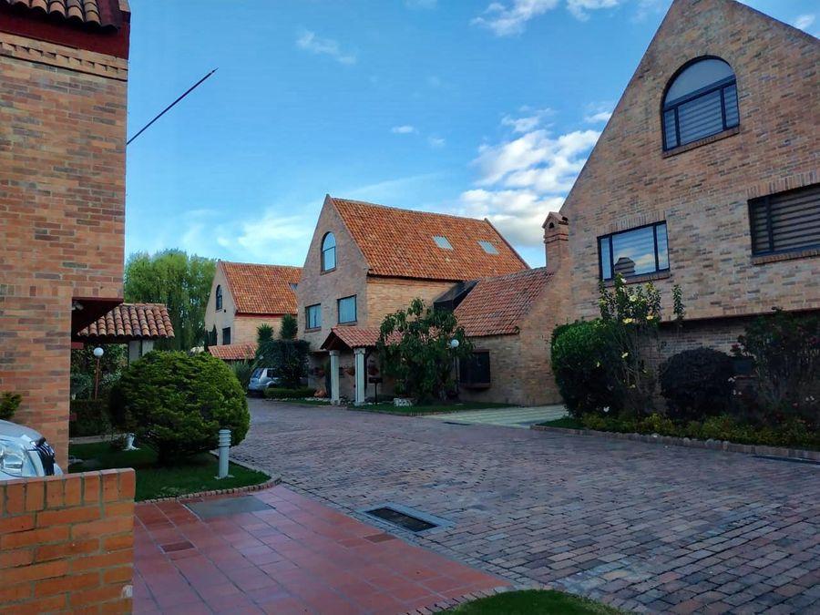 hermosa casa conjunto san jose de bavaria bogota