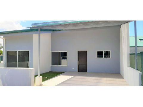 se vende casa nueva en san rafael de heredia