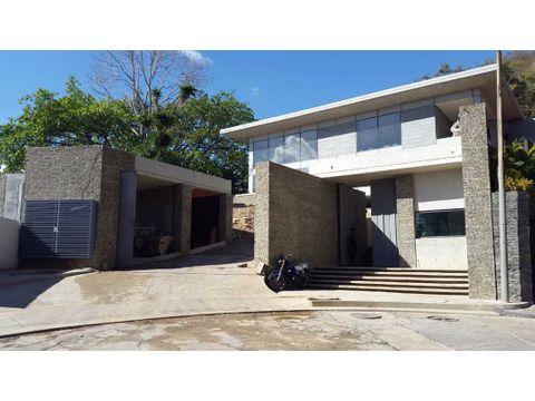 se vende casa 2500m2 5h2s6bs12p cerro verde