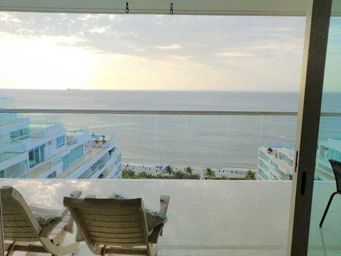 venta de apartamento frente al mar caribe