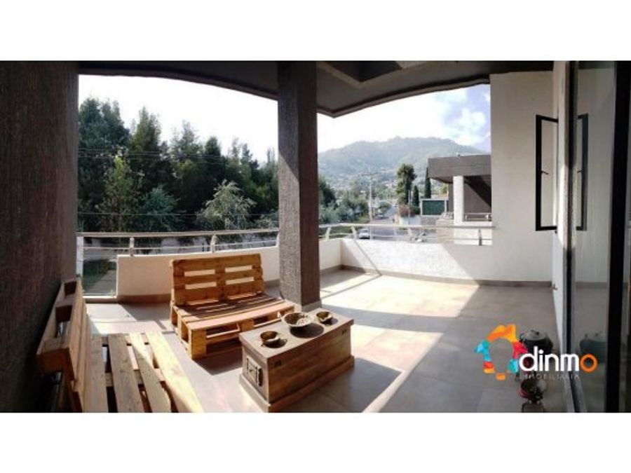casa en venta de lujo tumbaco terraza pergola