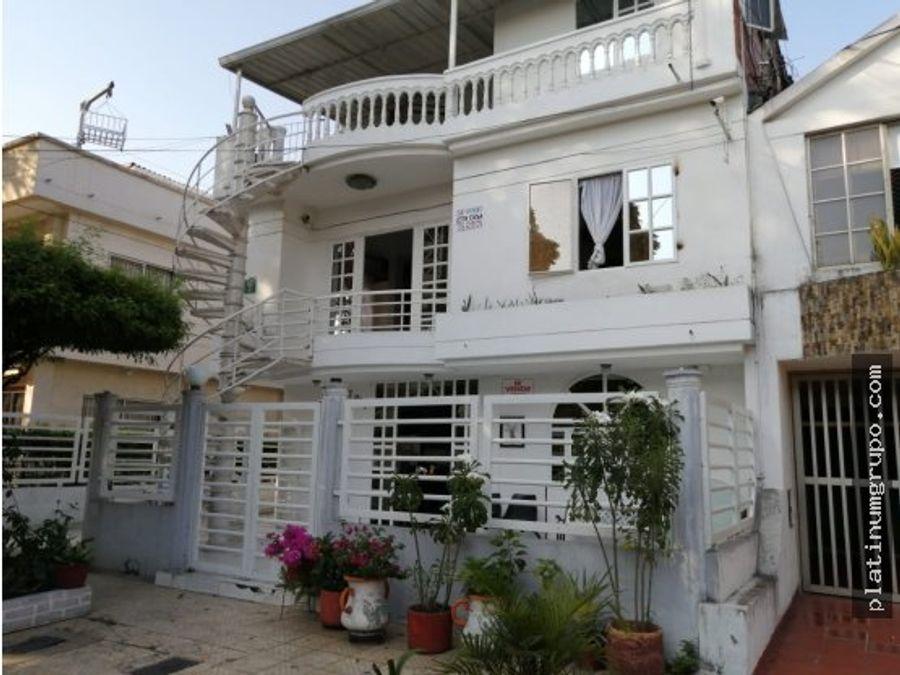 casa trifamiliar en venta en urbanizacion la merced cali ah