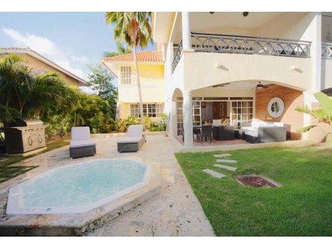 bonita villa duplex amueblada en cocotal