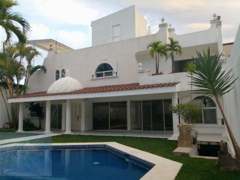 casa sola en palmira con alberca y jardin