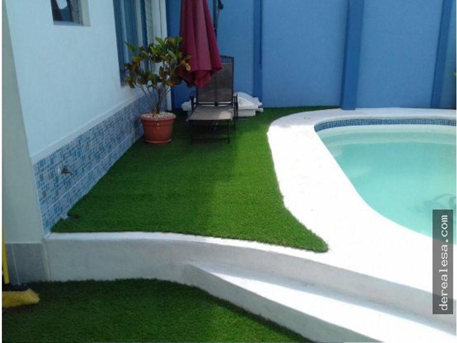 casa de playa con piscina en herradura