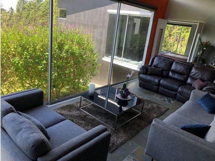 moderna y lujosa casa en bosque la hoja