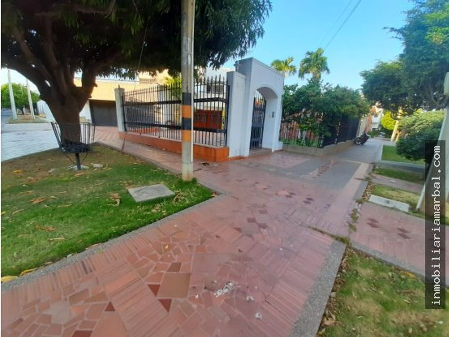 arriendo casa comercial en barrio novalito
