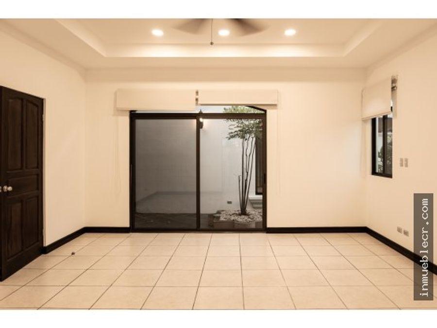casa de lujo en condominio exclusivo