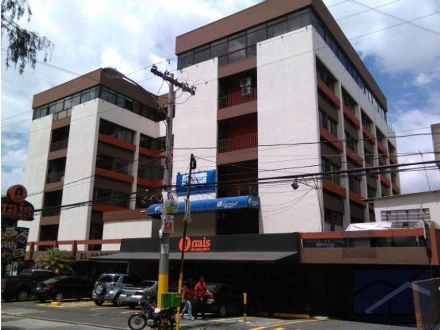 alquilo oficinas z9 edificio cortez d