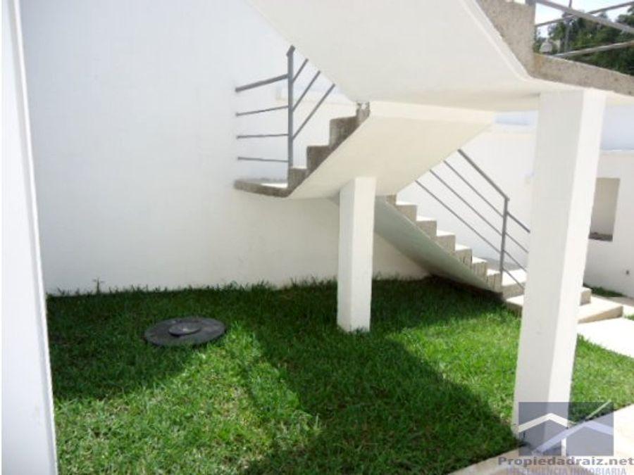 casa minimalista en la montana z16