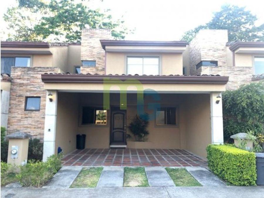 venta de casa en condominio en guayabos curridabat