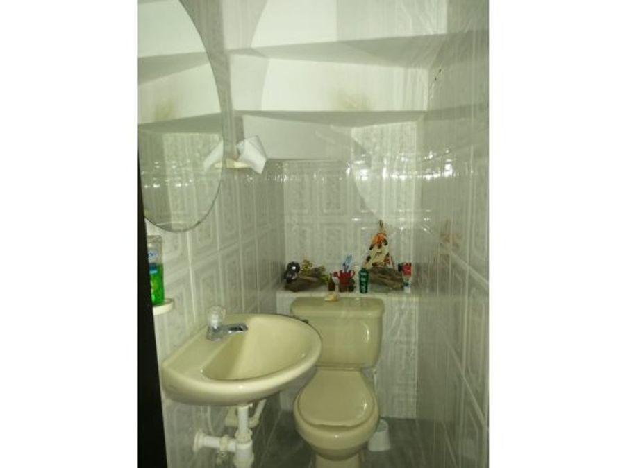 se vende casa en condominio canaveral