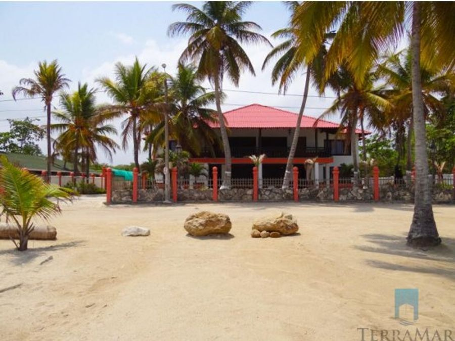 hostal frente a la playa
