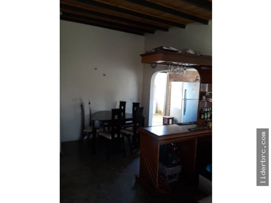 se vende bella casa en san joaquin