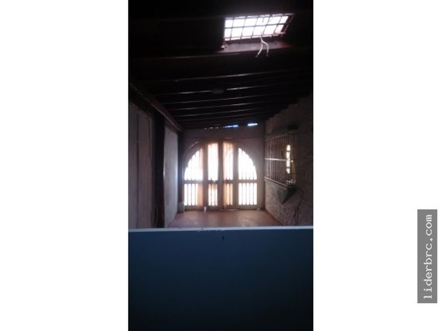 en venta amplia casa en valencia