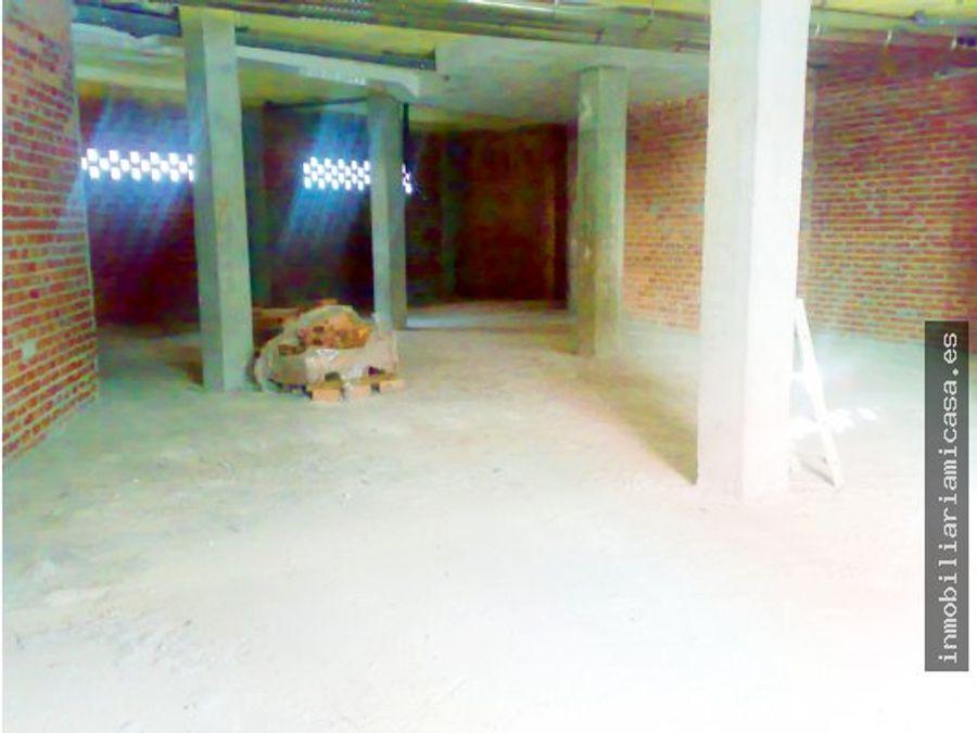 bajo de 193 m2 en la zona de a parda