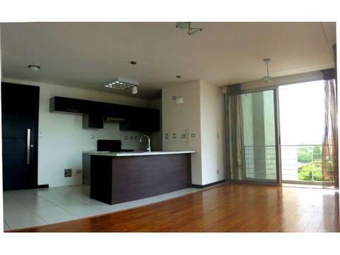 lindo apartamento de 2 habitaciones con balcon