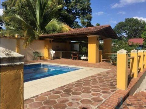 alquilo casa de playa con piscina por temporadas