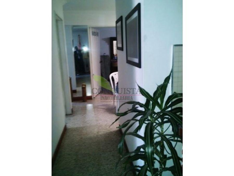 se vende apartamento calasanz