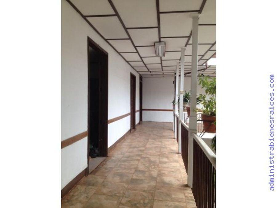 edificio uso institucional centro manizales