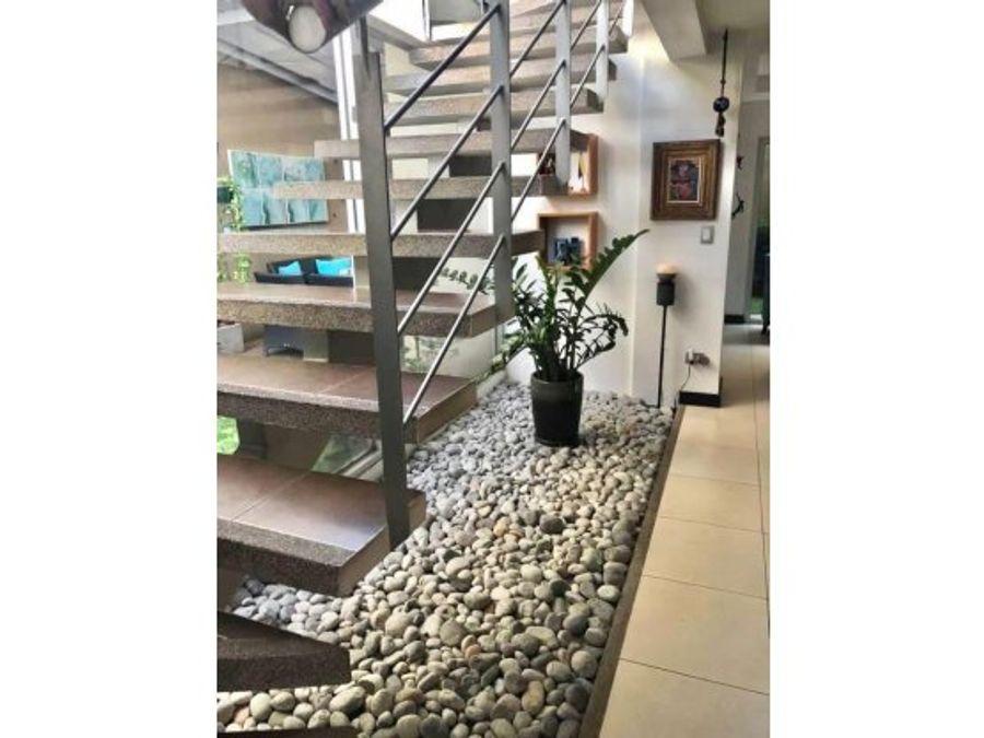 casa moderna en venta santa ana