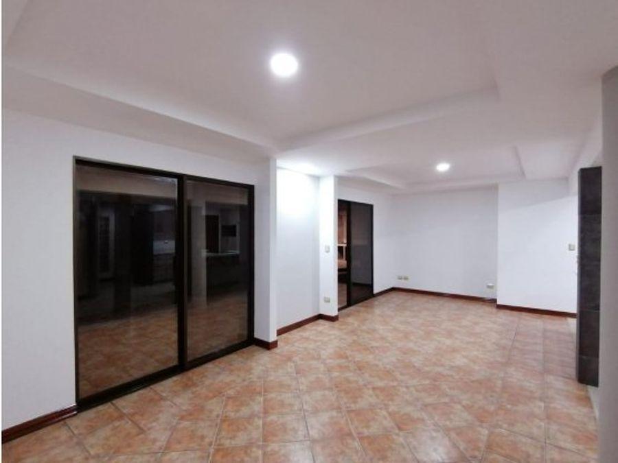 casa en venta condominio santa ana centro