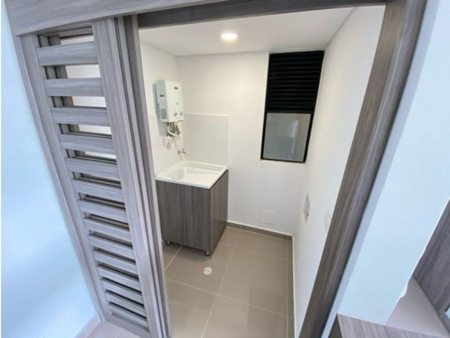 se vende apartamento sector avenida centenario