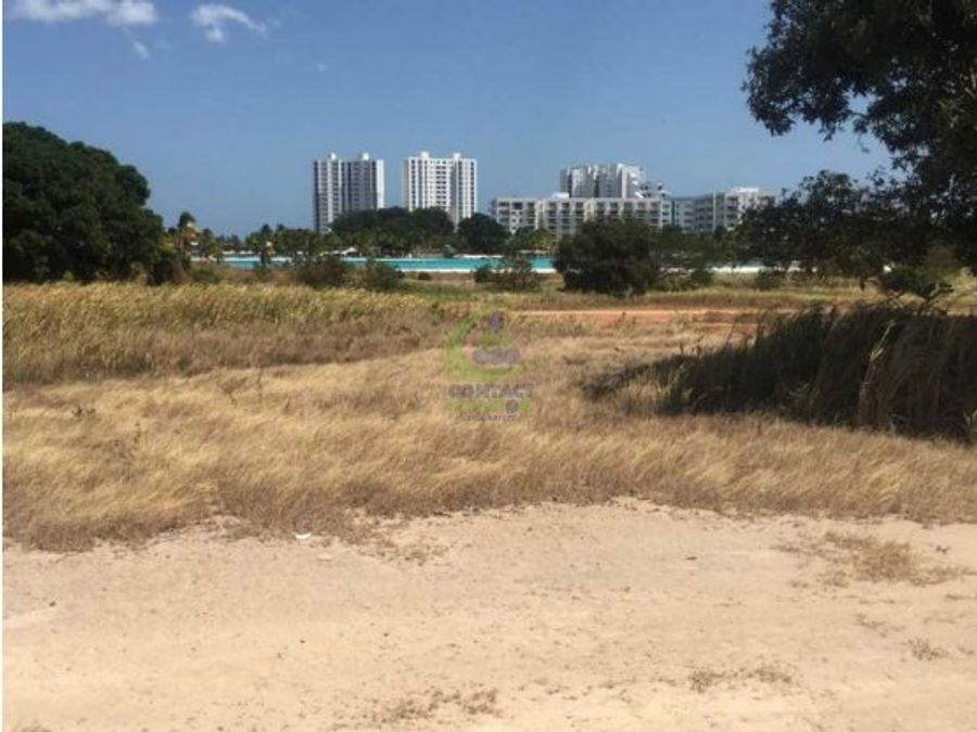 se vende terreno dentro de playa blanca 994m2gt