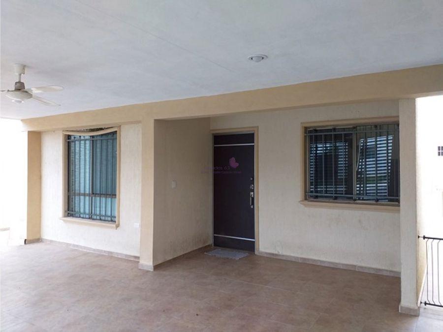 casa en venta en merida con local comercial