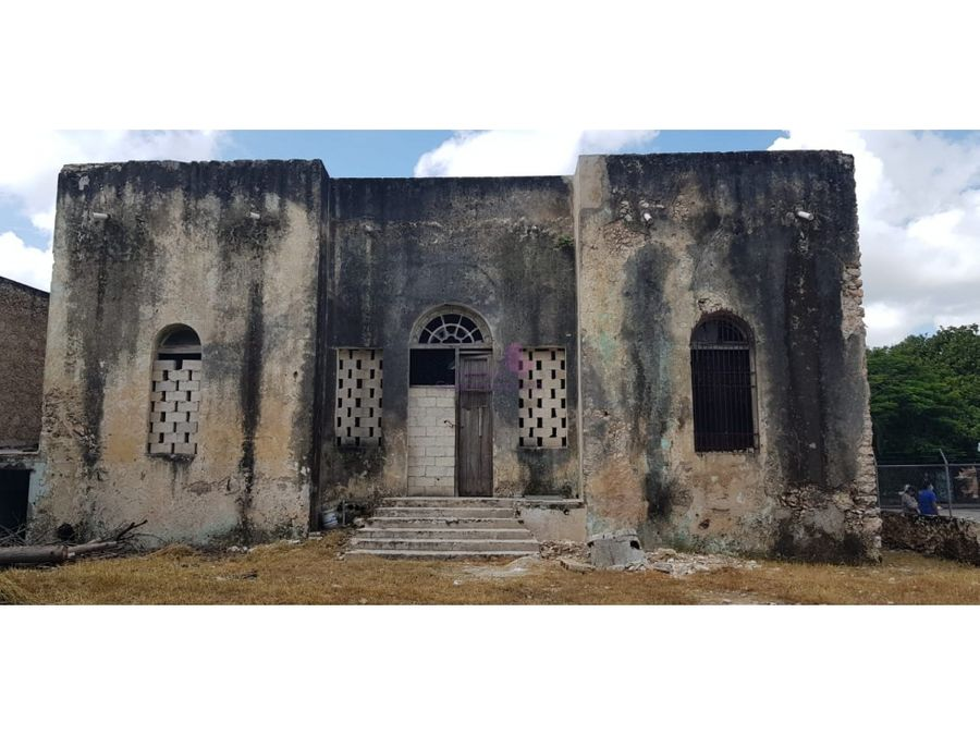 casa colonial para restaurar en venta en merida con gran terreno