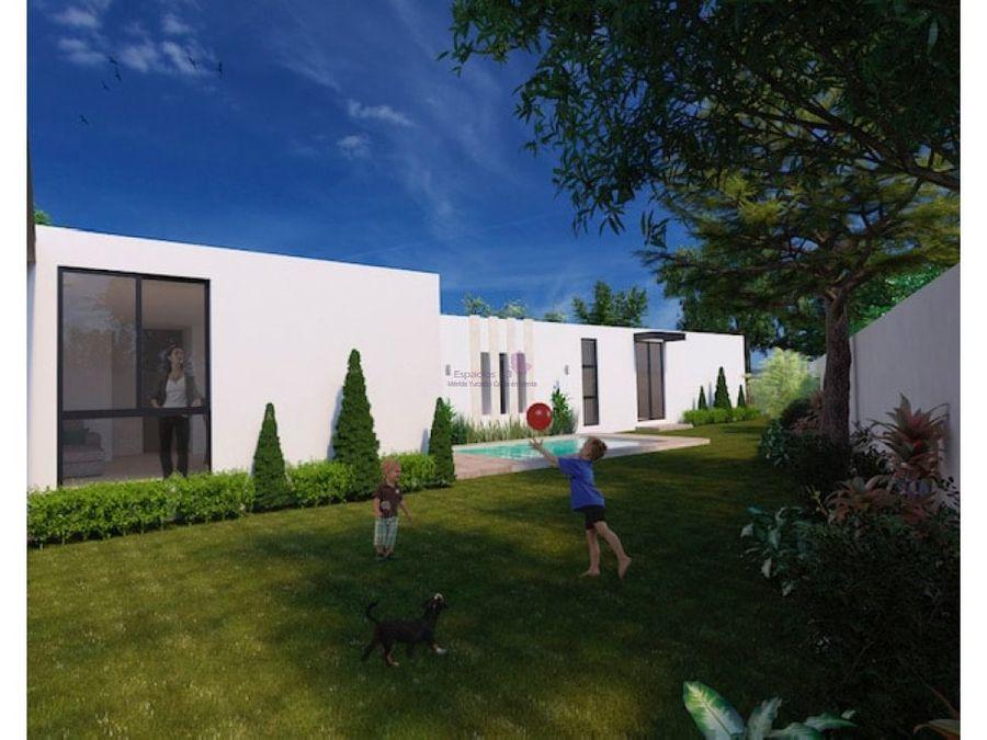 casa de una planta en avenida conkal en venta