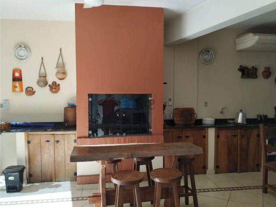 vendo hermosa residencia en barrio cerrado aranjuez