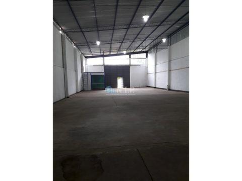deposito de 420 m2 en mariano r alonso