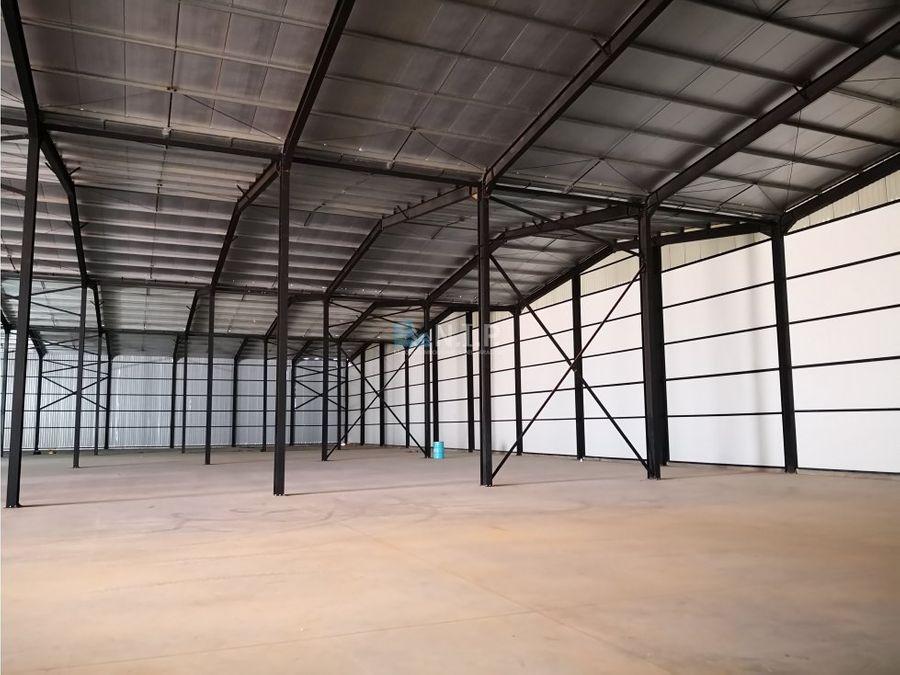 alquilo deposito de 4320 m2 en ita