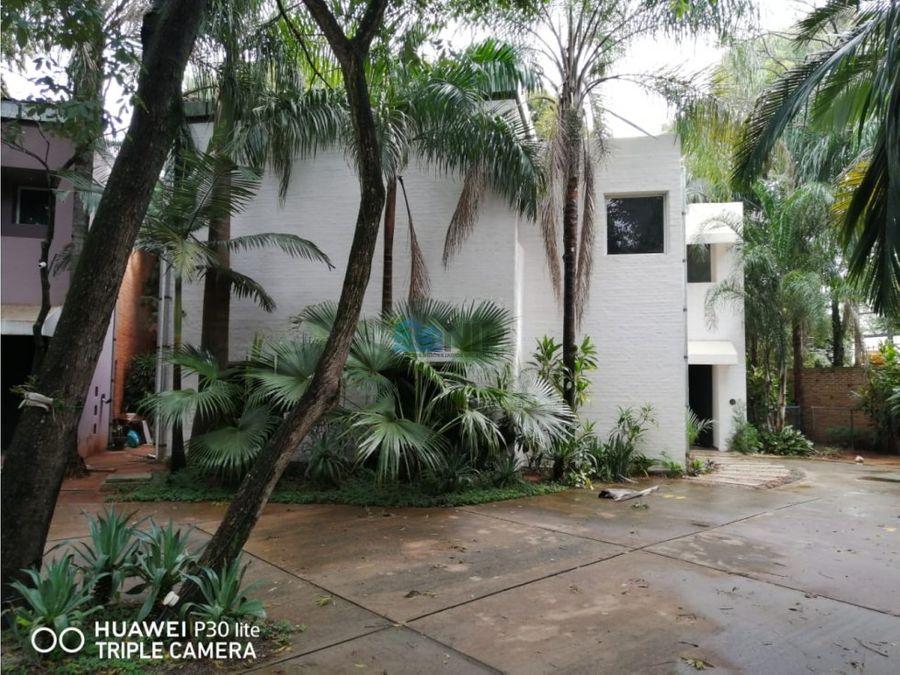 alquilo casa de 3 habitaciones en suite en barrio cerrado botanica 5