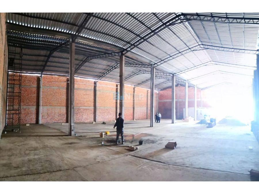 alquilo tinglado de 900 m2 en loma pyta