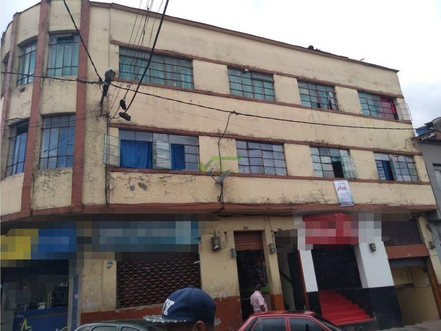 se vende casa con 6 rentas en centro de manizales