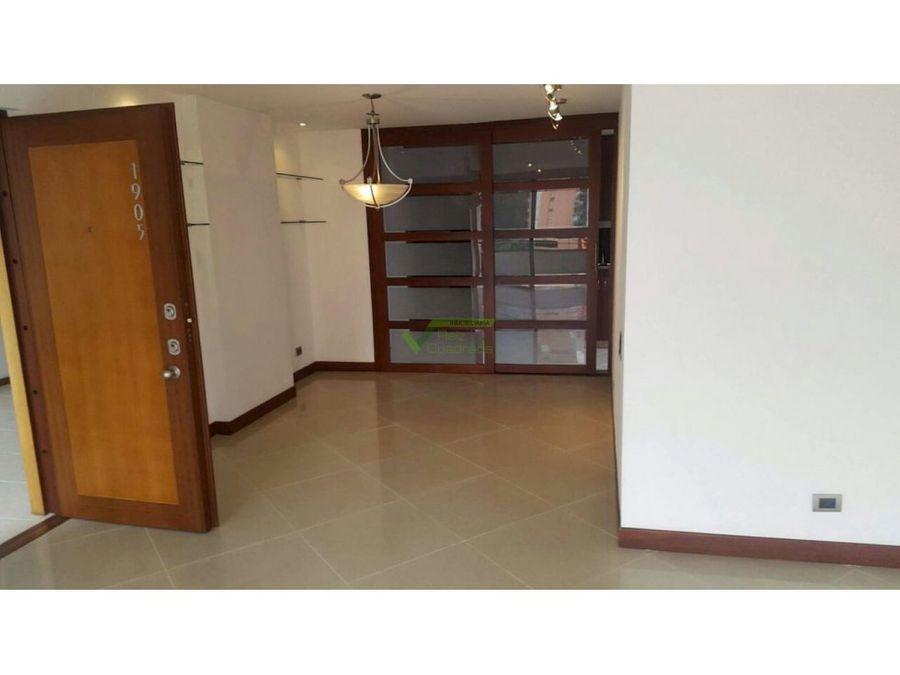 se vende apartamento en medellin el poblado