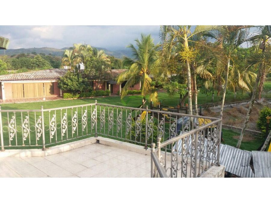 se vende casa campestre en tulua valle