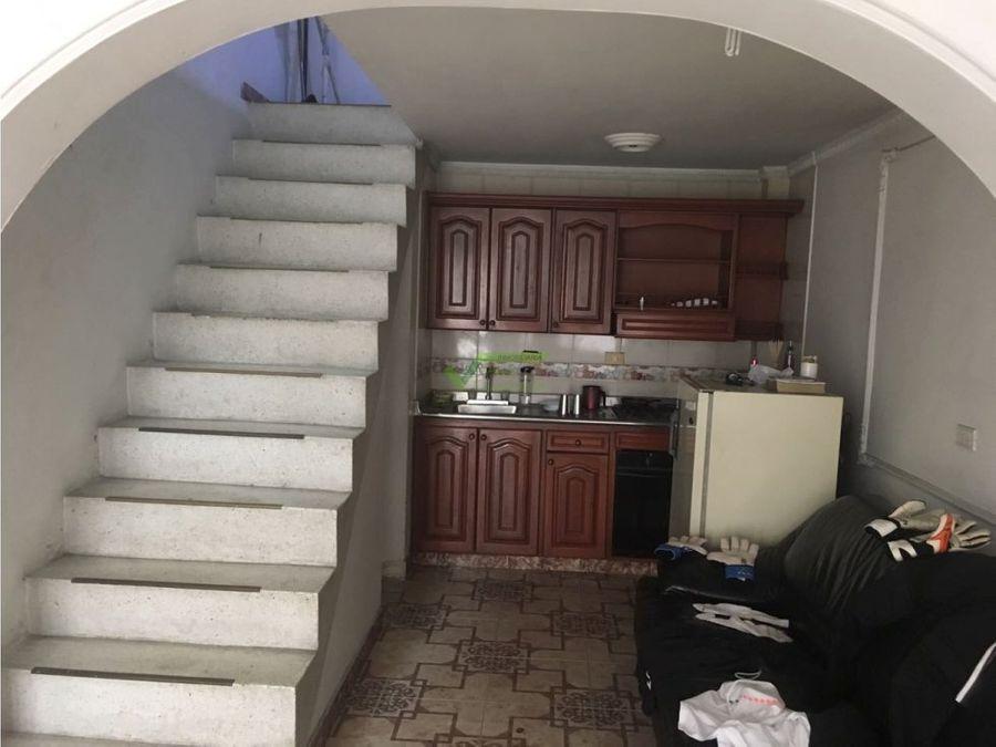 se vende casa esquinera con 4 rentas en pereira