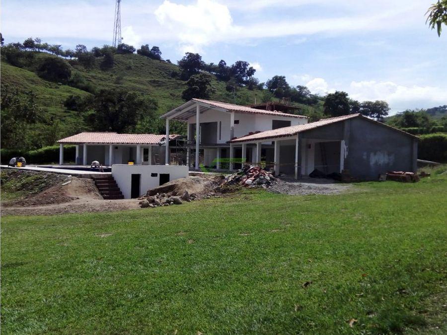 se vende casa de verano en el km 41 manizales