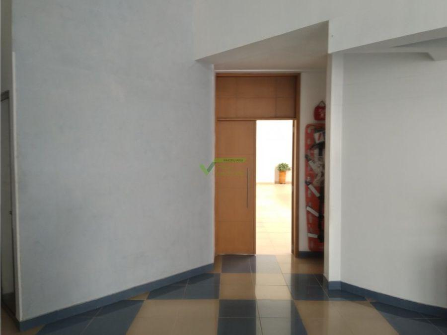 renta oficina av circunvalar area abierta