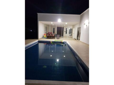venta casa campestre con piscina en cerrtos
